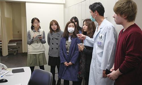 医療関係者との交流会、病院見学会などイベント実施