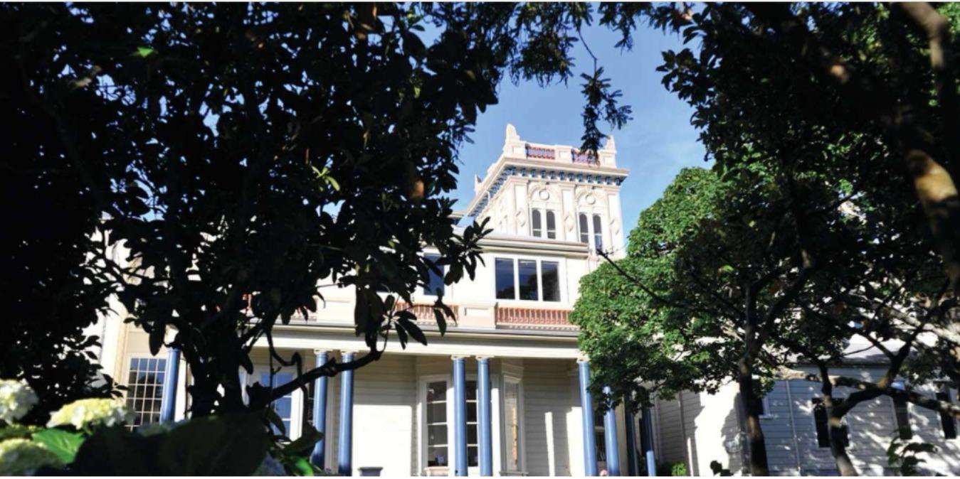 ISI国際学院のニュージーランド高校留学 ウェリントンWellington クイーン・マーガレット・カレッジQueen Margaret College(QMC)名門私立、女子校、学生寮、国際バカロレア(IB)、NCEA 学校外観