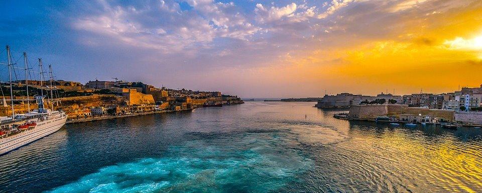マルタ・スリーマ 地中海で英語とバケーション  春休み留学