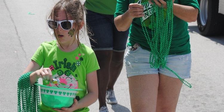 学生社会人シニア大人むけ短期長期語学留学 アイルランドダブリン 聖パトリックの祝日 St Patrick's Day