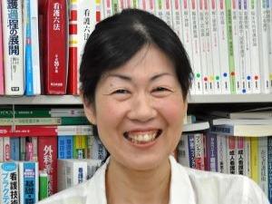 専攻看護学科長 高松由美子