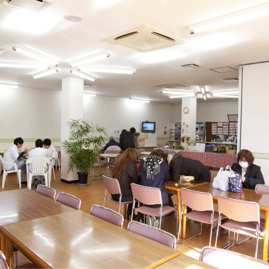 学生食堂(隣接建物内)