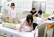 介護技術授業風景