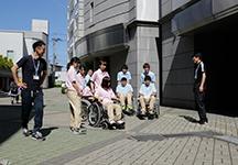 介護技術授業風景(2)