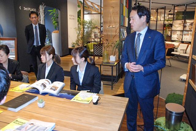 業務用家具の大手メーカー(株)オリバーの企業訪問