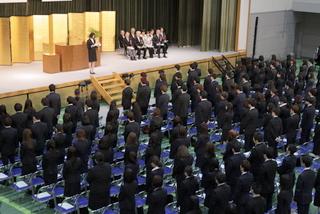 在学生が新入学生へ歓迎の気持ちを伝えます
