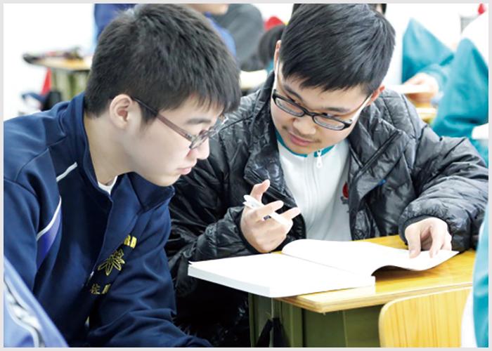 1 北京の名門高校で授業体験や国際交流