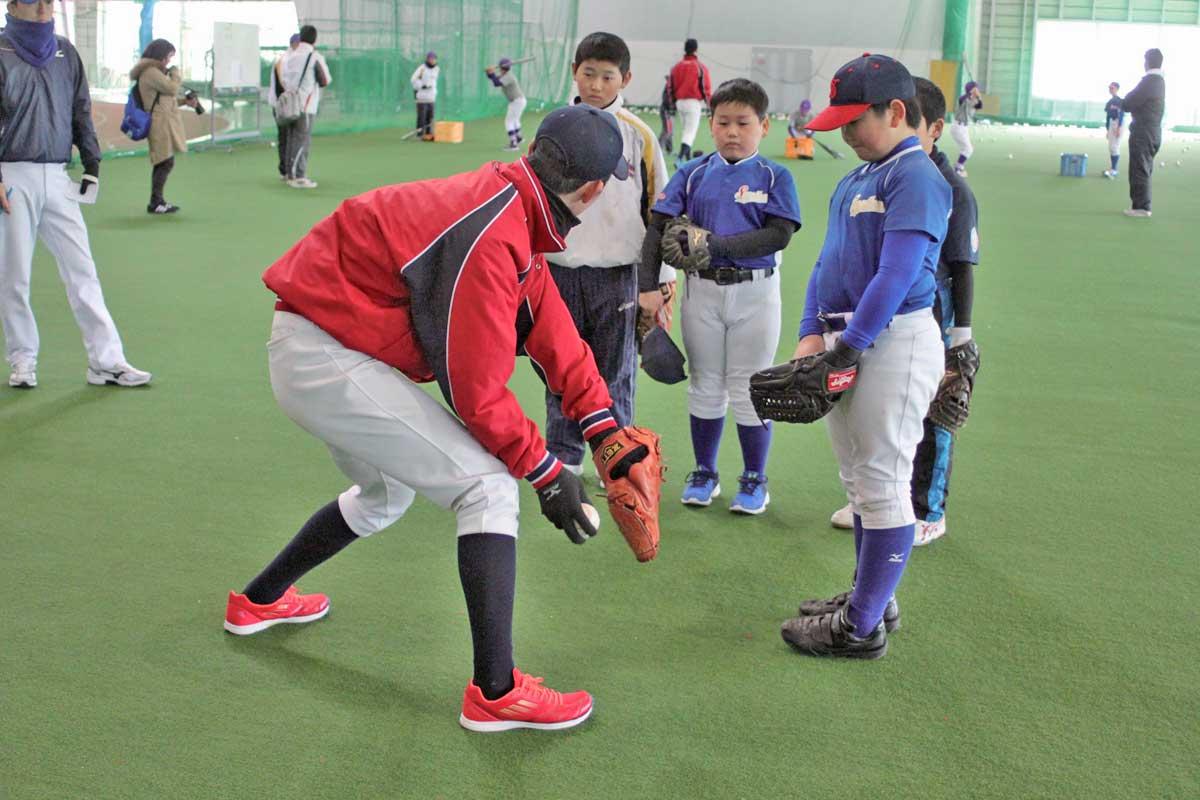 本学硬式野球部による少年野球教室