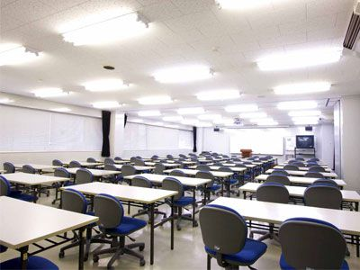 大講義室(80名-120名収容)