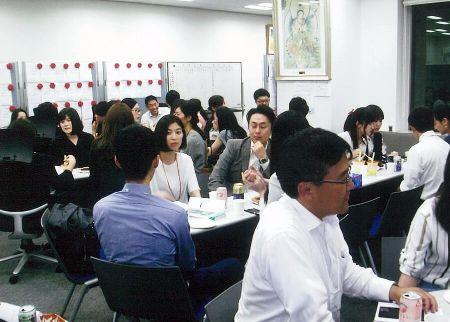 定期的に集まり交流をする「平成年度卒業生の集い」