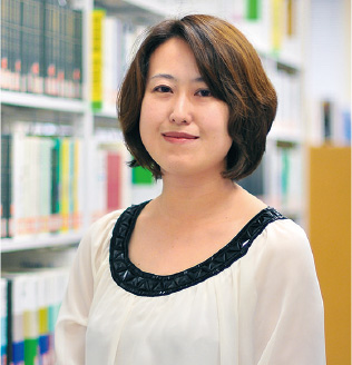 教授 久須本 かおり