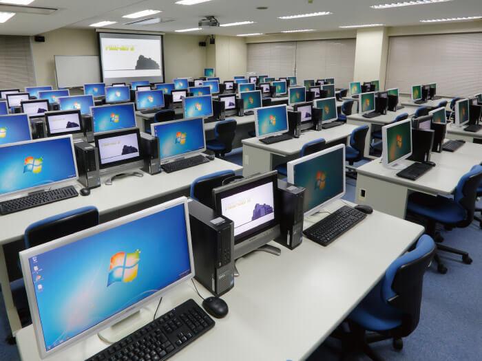 パソコンルーム202