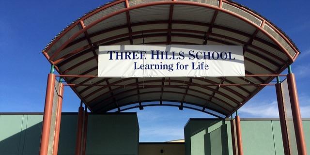 スリーヒルズ・スクール Three Hills School