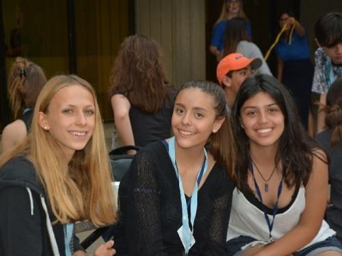 ISI国際学院 中学生高校生の夏休み留学 カナダオンタリオ州トロント大学サマーキャンプ 学生寮