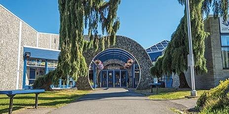 ランブリック・パーク・セカンダリー・スクール Lambrick Park Secondary School