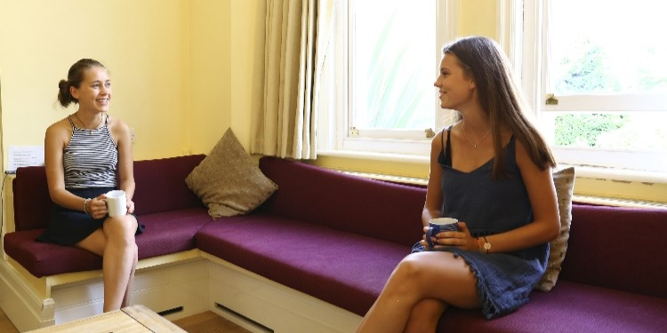 【中高生の夏休み留学】老舗語学学校で質の高い英語レッスン+アクティビティ|イギリス・オックスフォード郊外(St Clare's Oxford Summer for Teenagers)