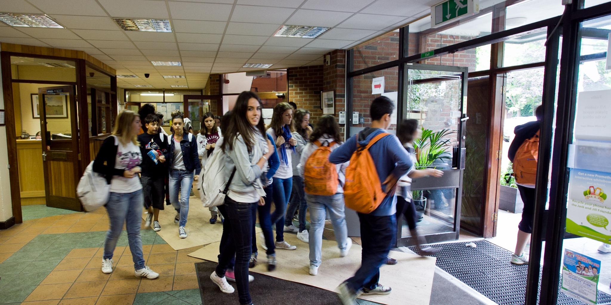 ISI国際学院ジュニア中高生の短期留学 アトラスランゲージスクール