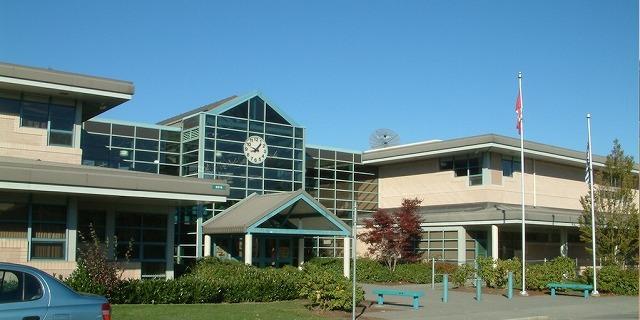 ウォルナット・グローブ・セカンダリー・スクール Walnut Grove Secondary School