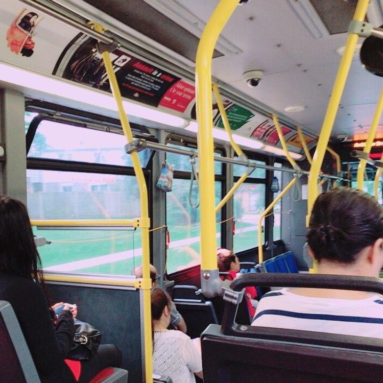 留学中のバスで