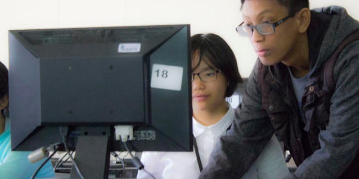 中高生むけ夏休み短期語学留学 アメリカ・カリフォルニア 英語コース+アクティビティ 学生寮 コンピューターサイエンス カリフォルニアコンピューターサイエンスキャンプ FLS International