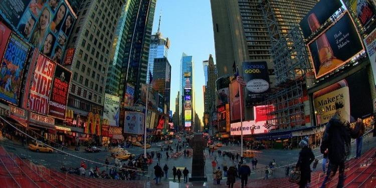 中高生むけ 15才以上夏休み留学 アメリカ・ニューヨーク CEA認可英語コース+マンハッタンでアクティビティ 大学学生寮に滞在し安心安全 FLS International Discover New York 街並み