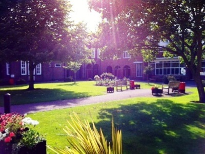 ISI国際学院 中高生の夏休み留学 イギリスカンタベリー郊外Kent College寮