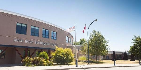 ヒュー・ボイド・セカンダリー・スクール Hugh Boyd Secondary School