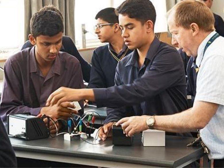 ニュージーランド高校留学 オークランド 公立男子校 オークランドグラマースクール Auckland Grammar School ホームステイ 日本人サポート