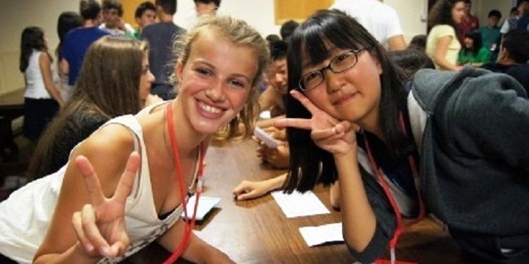 小学生中学生高校生 夏休み留学 イギリス・カンタベリー 実践英語とプレゼンテーション+アクティビティ観光スポーツアート 日本人スタッフ Concorde International ボーディングスクール学生寮 ルームメイト