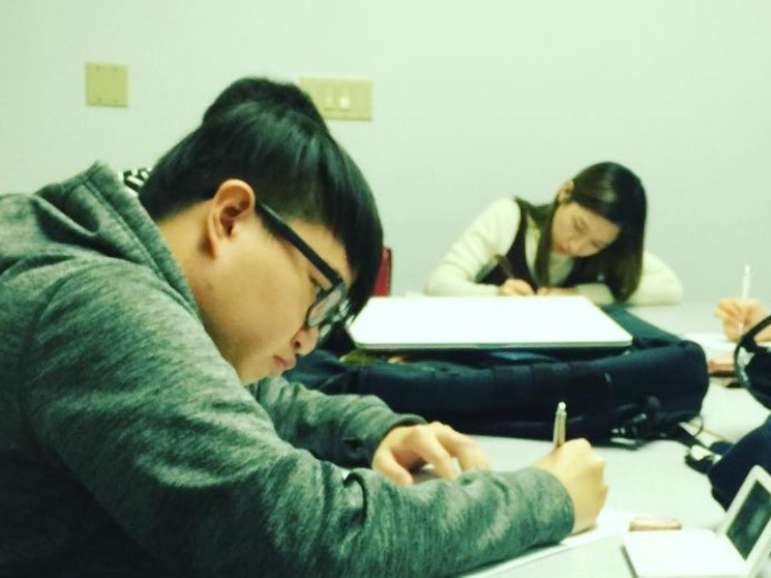 夜の特別授業で、「英語で学ぶ」を体験!