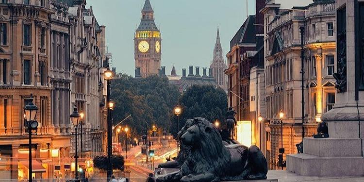 学生社会人シニア大人むけ短期長期語学留学 イギリスロンドン 語学学校 KAPLANカプラン レスタースクエア ホームステイ レジデンス 半日総合集中英語 ビジネス英語 IETLS,ケンブリッジ対策