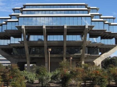 学生社会人シニア大人むけ短期長期語学留学 アメリカカリフォルニアサンディエゴ 語学学校 San Diego UCSDエクステンション