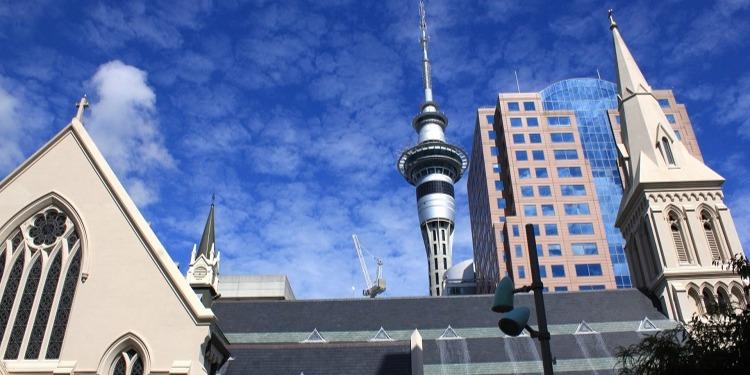 学生社会人シニア大人むけ短期長期語学留学 ニュージーランド オークランド スカイタワー