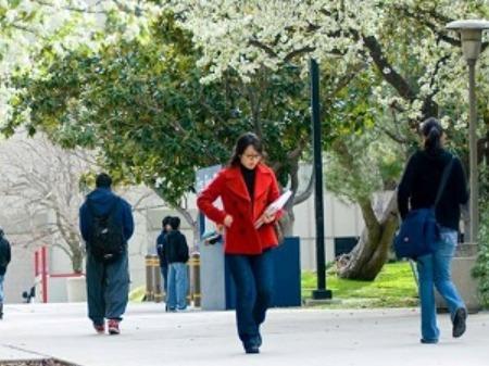 学生社会人シニア大人むけ短期長期語学留学 アメリカカリフォルニア州ロサンゼルスLA 語学学校 Tseng College CSUNorthridge ノースリッジツェンカレッジ