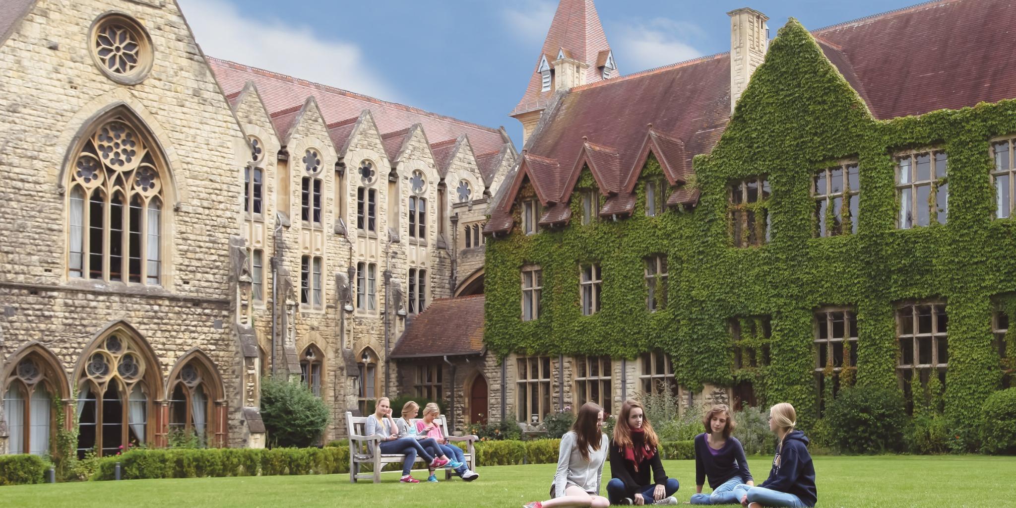 中学生 高校生 夏休み留学 短期留学 イギリス チェルトナム 英語+アクティビティ ボーディングスクール 寮滞在