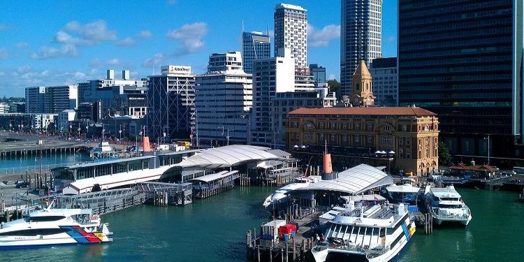 学生社会人シニア大人むけ短期長期語学留学 ニュージーランド オークランド 都市ウォーターフロント