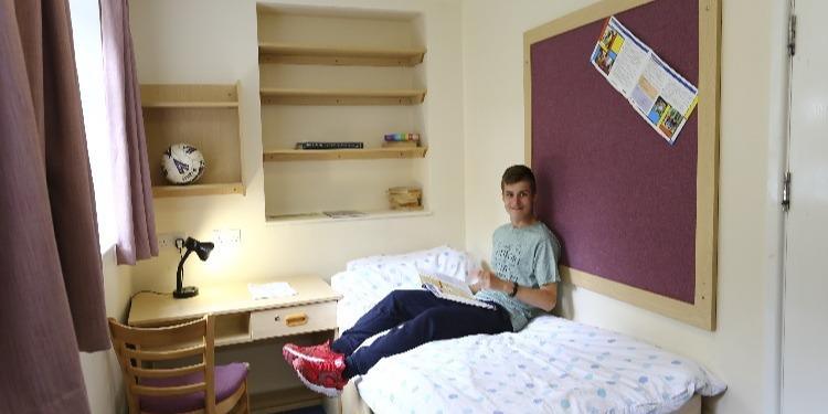 【小中高生の夏休み留学】私立ボーディングスクールで質の高い英語レッスン+アクティビティ|イギリス・オックスフォード郊外(St Clare's Oxford Summer for Juniors)