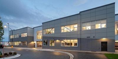 ラングレー・セカンダリー・スクール Langley Secondary School