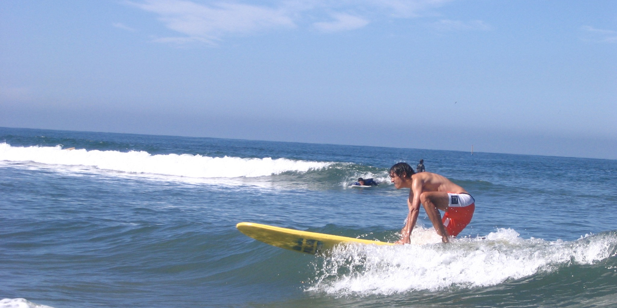 中高生むけ夏休み短期語学留学 アメリカ・カリフォルニア 英語コース+アクティビティ サーフィン 学生寮 カリフォルニアサーフキャンプ FLS International
