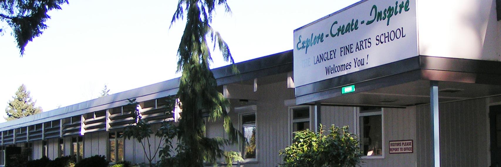 ラングレー・ファイン・アーツ・スクール (Langley Fine Arts School)