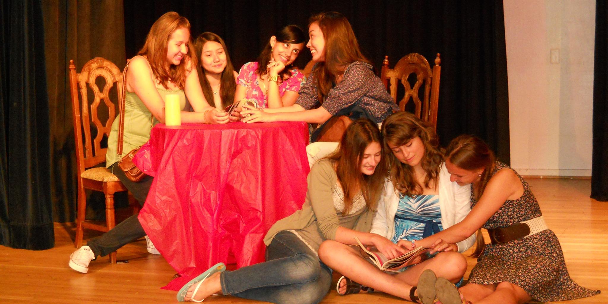 中高生むけ夏休み短期語学留学 アメリカ・カリフォルニア 英語コース+アクティビティ 映画 演技 学生寮 カリフォルニアアクティングキャンプ FLS International