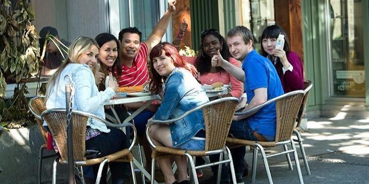 学生社会人シニア大人むけ短期長期語学留学 カナダ バンクーバー 語学学校 KAPLANカプラン ホームステイ レジデンス 半日総合集中英語 ビジネス英語 TOEFL,IETLS,ケンブリッジ対策 放課後
