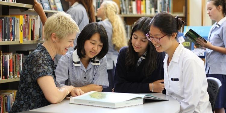 ISI国際学院のニュージーランド高校留学 オークランド Epsom Girls Grammar School エプソンガールズグラマースクール 留学生