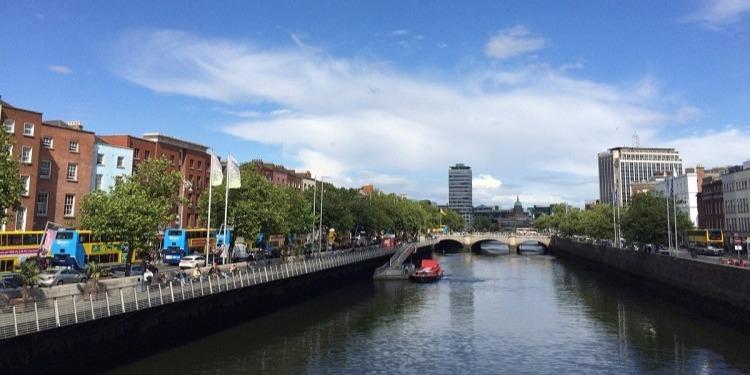 学生社会人シニア大人むけ短期長期語学留学 アイルランドダブリン 市内