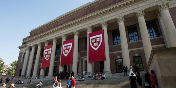 中高生むけ夏休み短期語学留学 アメリカ・ボストン ハーバード大学 STEMキャンプ 学生寮 ボストン STEM 教育 キャンプ FLS International