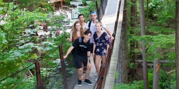 ISI国際学院 ジュニア 中高生 短期留学 カナダ バンクーバー 景色 アクティビティ 遠足 吊り橋