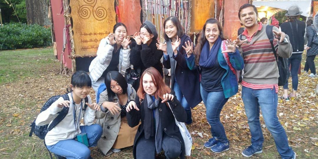 小学生 中学生 高校生むけ 夏休み留学 カナダ バンクーバー 英語 選択科目 トリニティウェスタン大学 TWU 日本人スタッフ Global College 学生寮 クラスメイト インターナショナルスチューデント 留学生 アクティビティ エクスカージョン 遠足