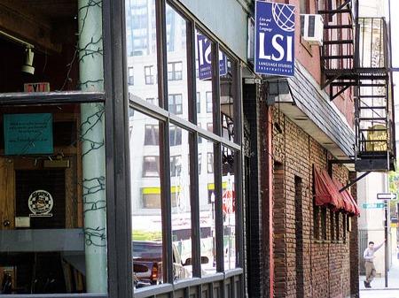 学生社会人シニア大人むけ短期長期語学留学 アメリカマサチューセッツ州ボストン 語学学校 LSI ボストン