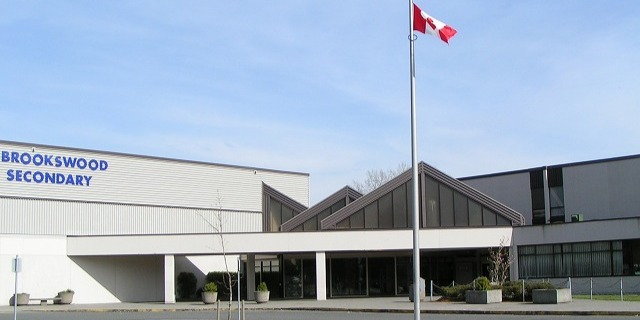 ブルックスウッド・セカンダリー・スクール Brookswood Secondary School