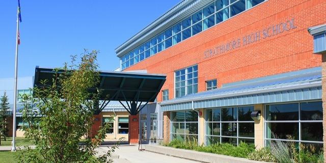 ストラスモア・ハイ・スクール Strathmore High School